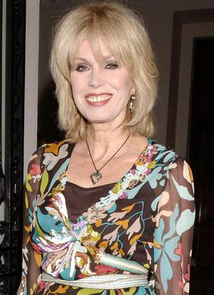 Queen's University has awarded actress Joanna Lumley an Honorary Doctorate for services to the performing arts.