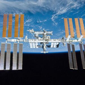 An unmanned Russian capsule has failed in an attempt to dock with the International Space Station