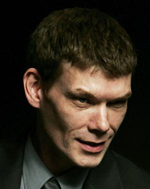 Theresa May announces she will block the extradition of computer hacker Gary McKinnon