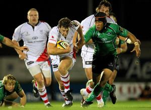 Magners League 25/9/2010Connacht vs UlsterUlster's Willie Faloon chased by Ray Ofisa of ConnachtMandatory Credit ©PRESSEYE / INPHO/Billy Stickland