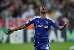 MUNICH, GERMANY - MAY 19: Ashley Cole of Chelsea celebrates after the winning penalty during UEFA Champions League Final between FC Bayern Muenchen and Chelsea at the Fussball Arena München on May 19, 2012 in Munich, Germany.  (Photo by Alex Livesey/Getty Images)