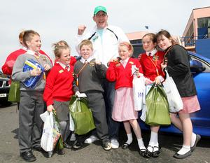 Commonwealth Champion Martin Rogan with St.Kevins pupils at the Balmoral Show