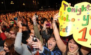 Fans enjoying Scots singer-songwriter Paolo Nutini live at Belsonic
