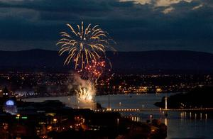 Fireworks light up the River Foyle after the event