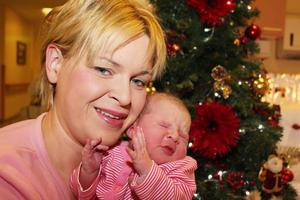 Aisling O'Kane, from Swatragh in County Derry with her baby girl 8.9llb  born on Christmas day at 12 27am. This is Mrs O'Kane's fourth child adding to her three boys.PICTURE MARK JAMIESON.