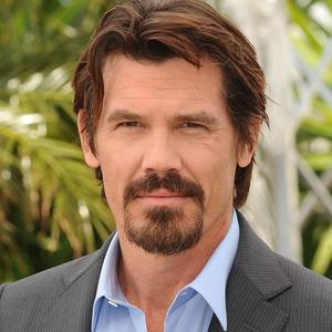 Josh Brolin stars as an escaped convict in Labour Day