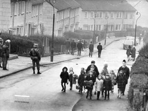 Riots : Belfast. January 1971.  Catholic housing estate, Ballymurphy.  (15/01/1971)
