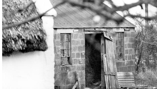 Scene where Michael Tighe (17) was shot dead by RUC when found with rifles in a shed in Lurgan.  24/11/1982.