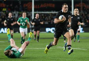 HAMILTON, NEW ZEALAND - JUNE 23:  Israel Dagg of the All Blacks runs in to score a try during the International Test Match between New Zealand and Ireland at Waikato Stadium on June 23, 2012 in Hamilton, New Zealand.  (Photo by Sandra Mu/Getty Images)