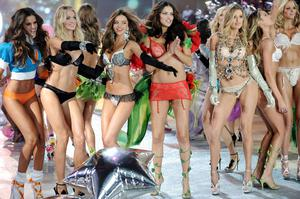 Models, from left, Izabel Goulart, Lindsay Ellingson, Miranda Kerr, Adriana Lima, Doutzen Kroes and Candice Swanepoel walk the runway during the finale of the 2012 Victoria's Secret Fashion Show on Wednesday Nov. 7, 2012 in New York. The show will be Broadcast on Tuesday, Dec. 4 (10:00 PM, ET/PT) on CBS. (Photo by Evan Agostini/Invision/AP)