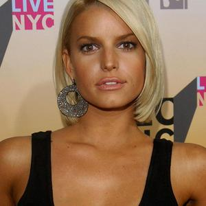Jessica Simpson joked that she will be giving birth wearing her heels