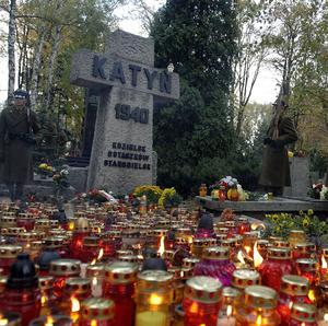Stalin ordered the Katyn massacres, Russia's lower house of parliament said (AP)