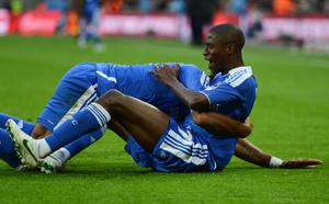 LONDON, ENGLAND - APRIL 15:  Ramires of Chelsea celebrates with Didier Drogba as he scores their third goal during the FA Cup with Budweiser Semi Final match between Tottenham Hotspur and Chelsea at Wembley Stadium on April 15, 2012 in London, England.  (Photo by Mike Hewitt/Getty Images)
