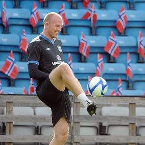 John Ruddy could stay at Norwich until 2017 after signing a new contract