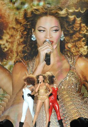 Beyonce on stage at the Odyssey Arena in Belfast in front of a sell-out audience on the last date of her 2009 world tour. 24-11-2009