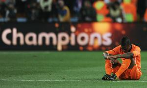 Eljero Elia of the Netherlands shows his dejection at the final whistle after losing the 2010 FIFA World Cup South Africa Final match between Netherlands and Spain at Soccer City Stadium on July 11, 2010 in Johannesburg, South Africa
