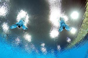 Francesca Dallape and Tania Cagnotto of Italy compete in the Women's Synchronised 3m Springboard final on Day 2 of the London 2012 Olympic Games