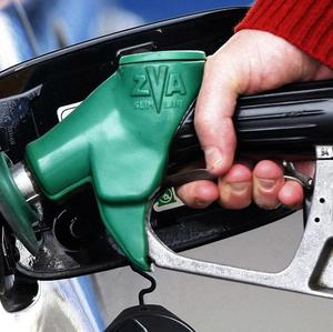 Hauliers have given the Government a week to agree to a crisis meeting over rising fuel prices