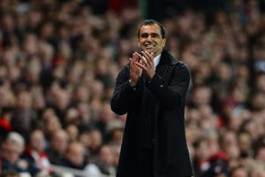 LONDON, ENGLAND - APRIL 16:  Manager Roberto Martinez of Wigan gives instructions during the Barclays Premier League match between Arsenal and Wigan Athletic at Emirates Stadium on April 16, 2012 in London, England.  (Photo by Laurence Griffiths/Getty Images)
