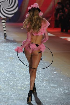 NEW YORK, NY - NOVEMBER 07:  Doutzen Kroes walks the runway during the Victoria's Secret 2012 Fashion Show on November 7, 2012 in New York City.  (Photo by Bryan Bedder/Getty Images for SWAROVSKI ELEMENTS)