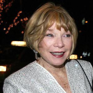 Shirley MacLaine is to star opposite Robin Williams