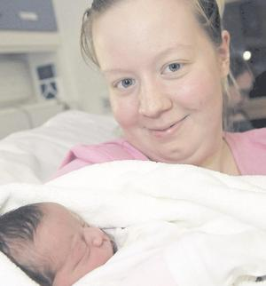 "Proud mum: Emma Skaggs with her daughter Aliya <p><b>To send us your Baby Pics <a href=""http://www.belfasttelegraph.co.uk/usersubmission/the-belfast-telegraph-wants-to-hear-from-you-13927437.html"" title=""Click here to send your pics to Belfast Telegraph"">Click here</a> </a></p></b>"