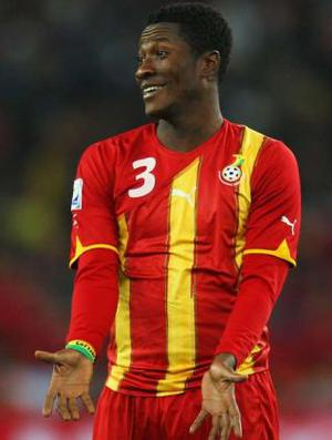 <b>Asamoah Gyan</b><br/> In the strike department Liverpool are dreadfully short of options. Fernando Torres is their only key note striker, and with injuries plaguing the Spaniard recently, it appears Hodgson will need some new options. One of those options could be Asamoah Gyan, the Ghanaian forward who shone so brightly in South Africa (apart from that penalty miss). Rennes want £20m for the fast and powerful 24-year-old, a fee heavily inflated post South Africa, but one which might drop as World Cup fever passes.