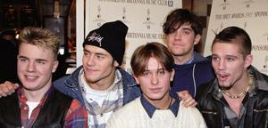 File photo dated 11/01/1993 of Take That (left to right) Gary Barlow, Howard Donald, Mark Owen, Robbie Williams and Jason Orange, who are poised for a reunion. PRESS ASSOCIATION Photo. Issue date: Friday July 16, 2010. Robbie and the group have built bridges in recent years and even shared a stage for a Children In Need concert last year, an event organised by Take That's Gary Barlow. See PA story SHOWBIZ TakeThat. Photo credit should read: Neil Munns/PA Wire