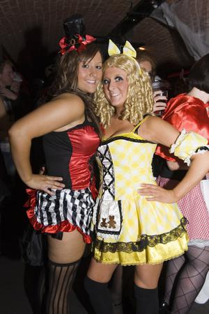 Ollies Halloween Party pictured Lauren Hislop and Charlene Robinson