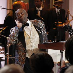 BB King performs at the White House (AP/Pablo Martinez Monsivais)