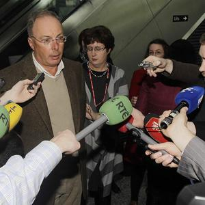 Noel Hayes, the chairman of Manx2, speaks to the media at Cork Airport