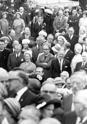The Queen, Elizabeth 11. 1966 visit.A section of the crowd who attended the garden party at Hillsborough for the Queen and the Duke.  5/7/1966