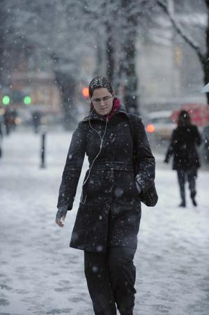 Siobhan Sayers from Belfast makes her way to work along University Road