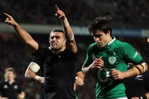 HAMILTON, NEW ZEALAND - JUNE 23:  Liam Messam of the All Blacks celebrates scoring a try during the International Test Match between New Zealand and Ireland at Waikato Stadium on June 23, 2012 in Hamilton, New Zealand.  (Photo by Hannah Johnston/Getty Images)