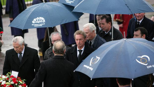 Dennis Law (centre) at George Best's funeral