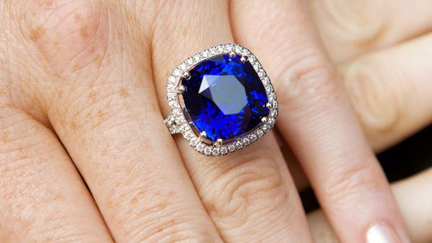 On the day of Prince William and Kate Middletons Royal Wedding in England, Rhona Fitzpatrick from Boodles Jewellers, Grafton Street, Dublin, wears a very special 21 carat deep sparkling blue sapphire from Madagascar.  Surrounded by white diamonds and mounted in platinum, this ring has a price tag of 225,000.  Kate Middletons sapphire engagement ring, which is similar in look, is 18 carats with diamonds mounted in white gold with an estimated retail value of 200,000.  Photos by Paul Sherwoodpaul@sherwood.iewww.sherwood.ie00 353 87 230 9096Copyright 2011