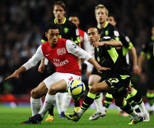 LONDON, ENGLAND - JANUARY 09:  Andros Townsend (R) of Leeds United and Francis Coquelin (L) of Arsenal challenge for the ball during the FA Cup Third Round match between Arsenal and Leeds United at the Emirates Stadium on January 9, 2012 in London, England.  (Photo by Clive Mason/Getty Images)