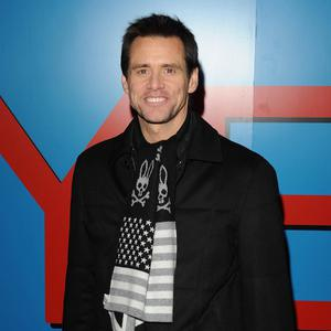 Jim Carrey worked with real penguins on the set of the movie