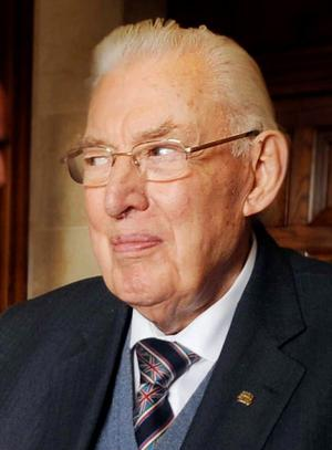 Rev Ian Paisley ... family holds vigil for ailing patriarch