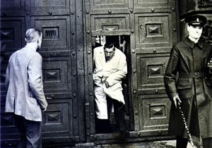 Ian Paisley leaves Crumlin Road jail in the 60s