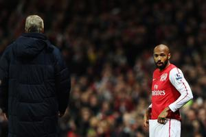LONDON, ENGLAND - JANUARY 09:  Arsene Wenger the Arsenal manager prepares to bring on Thierry Henry as a substitute during the FA Cup Third Round match between Arsenal and Leeds United at the Emirates Stadium on January 9, 2012 in London, England.  (Photo by Clive Mason/Getty Images)
