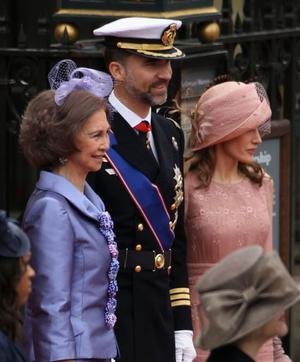 LONDON, ENGLAND - APRIL 29:  (L-R) Queen Sofia of Spain, Prince Felipe of Spain and Princess Letizia of Spain arrive to attend the Royal Wedding of Prince William to Catherine Middleton at Westminster Abbey on April 29, 2011 in London, England. The marriage of the second in line to the British throne is to be led by the Archbishop of Canterbury and will be attended by 1900 guests, including foreign Royal family members and heads of state. Thousands of well-wishers from around the world have also flocked to London to witness the spectacle and pageantry of the Royal Wedding.  (Photo by Dan Kitwood/Getty Images)