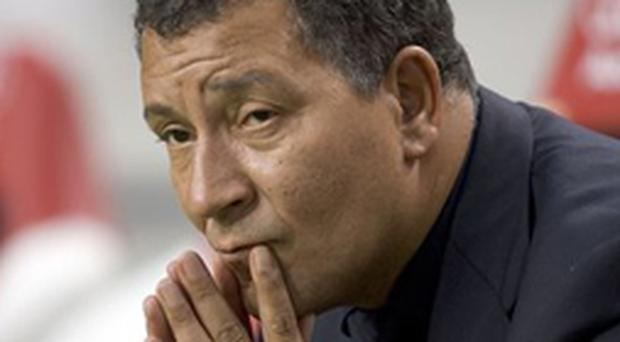 Henk Ten Cate is expected to take up the post of Avram Grant's assistant at Chelsea next Monday