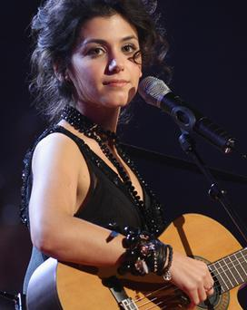 Katie Melua has teamed up with the late Eva Cassidy to do What a Wonderful World
