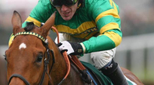 Disappointment for Tony McCoy as Butler's Cabin falls in Grand National