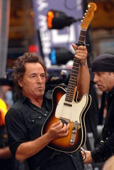 Brucie bonus: Springsteen backs Obama