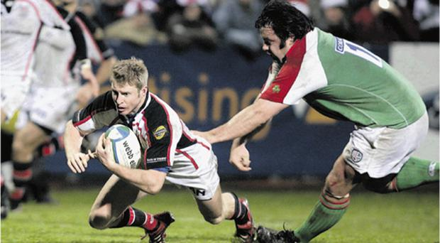 Paul Steinmetz dives over to secure Ulster's bonus against London Irish
