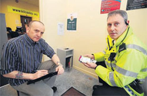 Mark Gordon from Kilcooley Community Forum and Constable Mark Pearson mark the launch of the Encouragement phase of the Kilcooley KEEP SAFE anti-drugs initiative which begins this week
