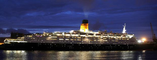 The QE2 strikes a majestic pose in Belfast