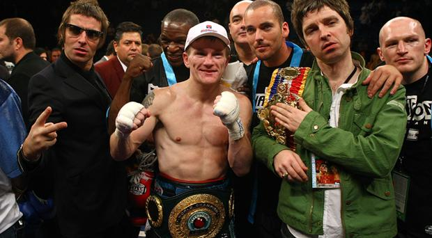 (L-R) Liam Gallagher of Oasis, Ricky Hatton of England, Noel Gallagher of Oasis and boxer Matthew Hatton celebrate Ricky Hatton's 11th round TKO victory against Paulie Malignaggi after their light-welterweight fight at the MGM Grand Garden Arena November 22, 2008 in Las Vegas, Nevada